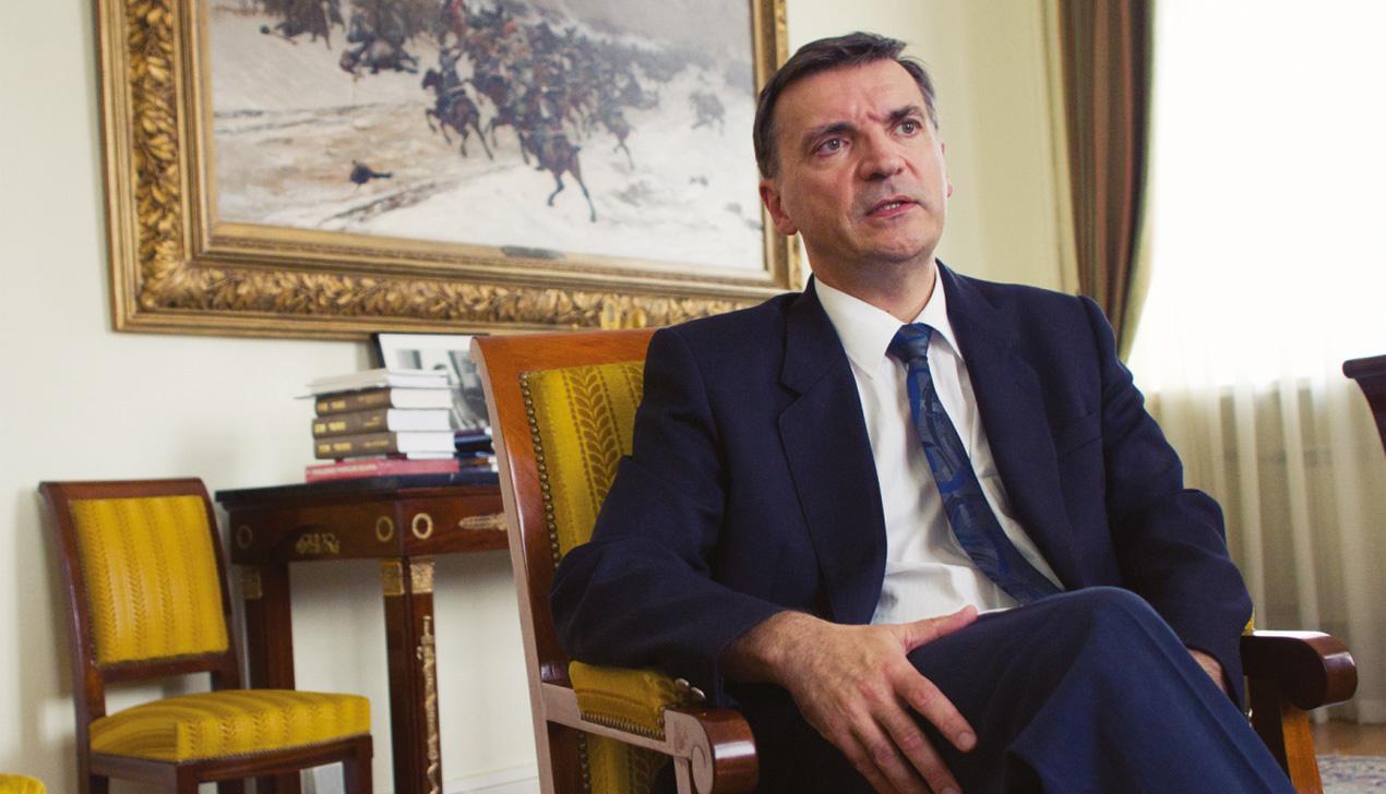 Уроки французского: интервью с послом Франции Мишелем Ренери