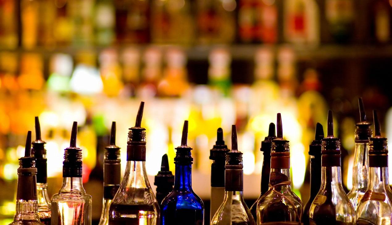Я — алкоголь. Колонка Дмитрия Новицкого