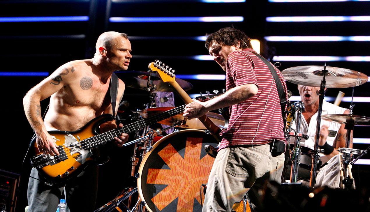 Музыкальные новости — Евгения Доги, Земфира, Red Hot Chili Peppers