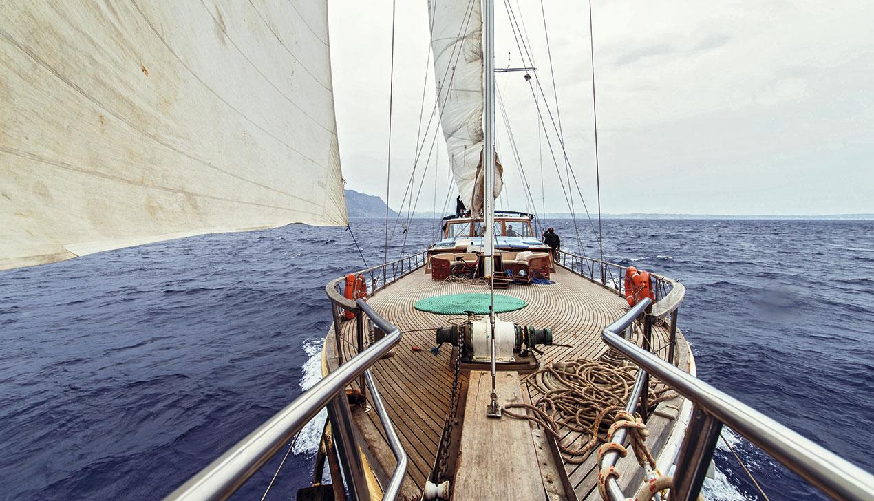 На борту: Евгения Доброва о том, как живется на яхте со шкипером