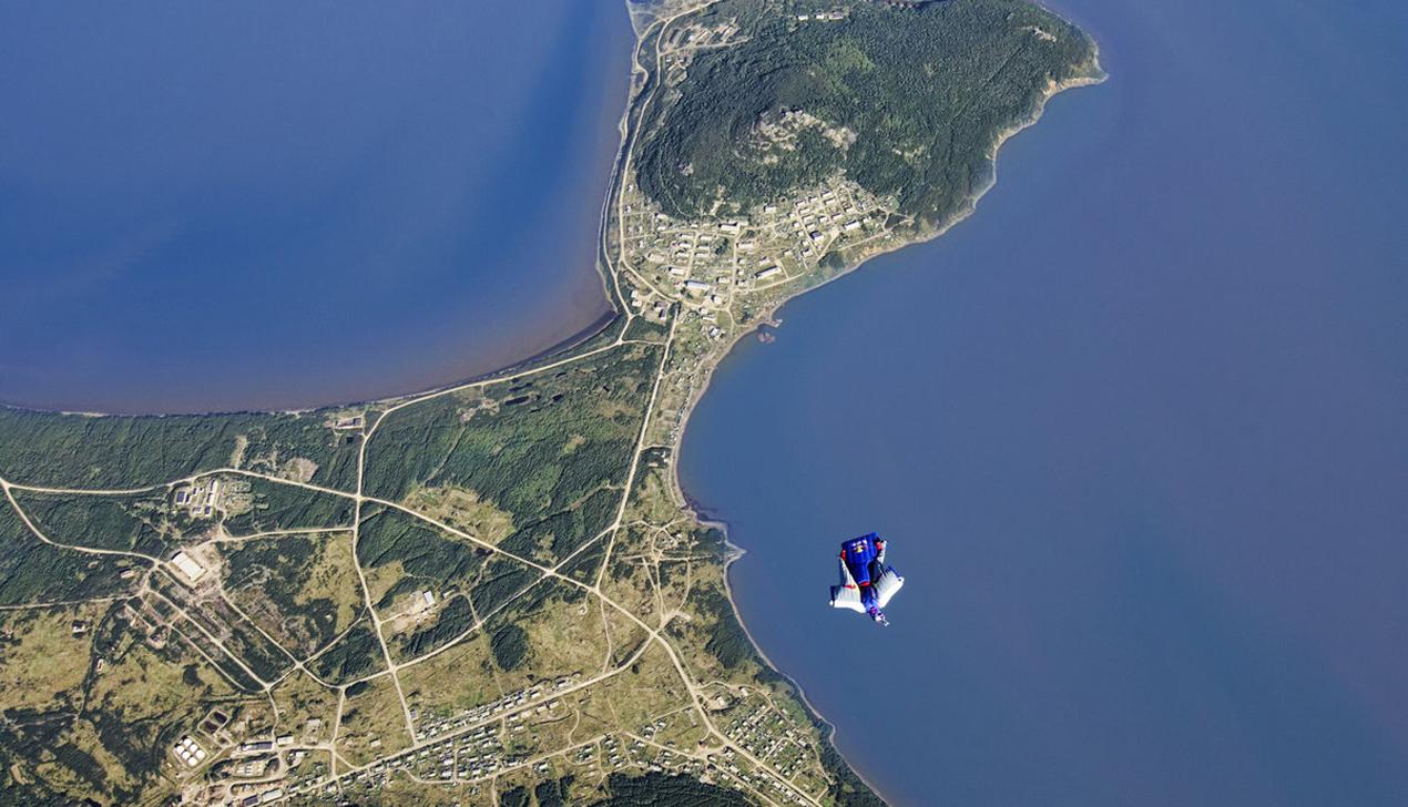 Валерий Розов в Минске рассказал о 10 000 прыжках с парашютом и романтике полета