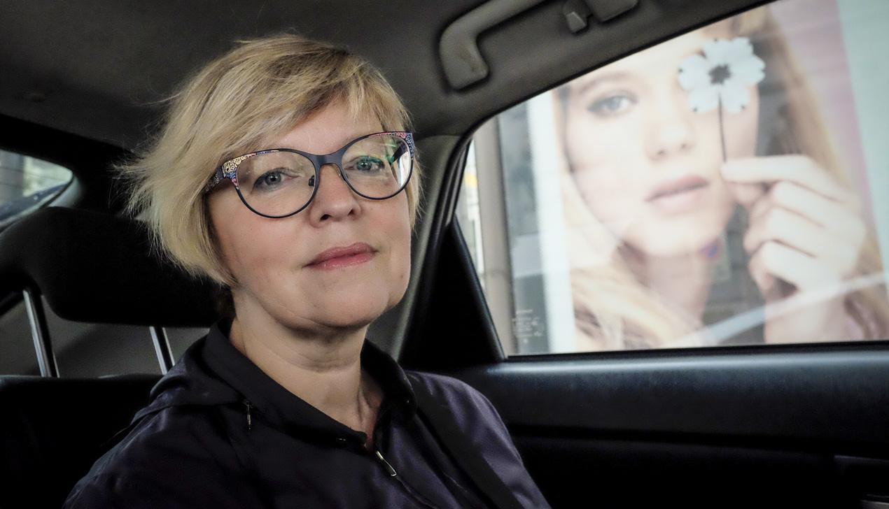 Писатель Елена Костюкович: «Если вы можете не писать — не пишите»