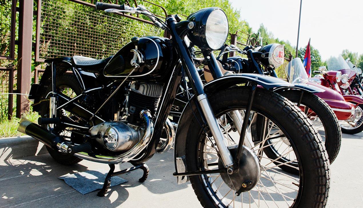 Ретро- мотоциклы, или Как прошел фестиваль «Кола Часу 2015»