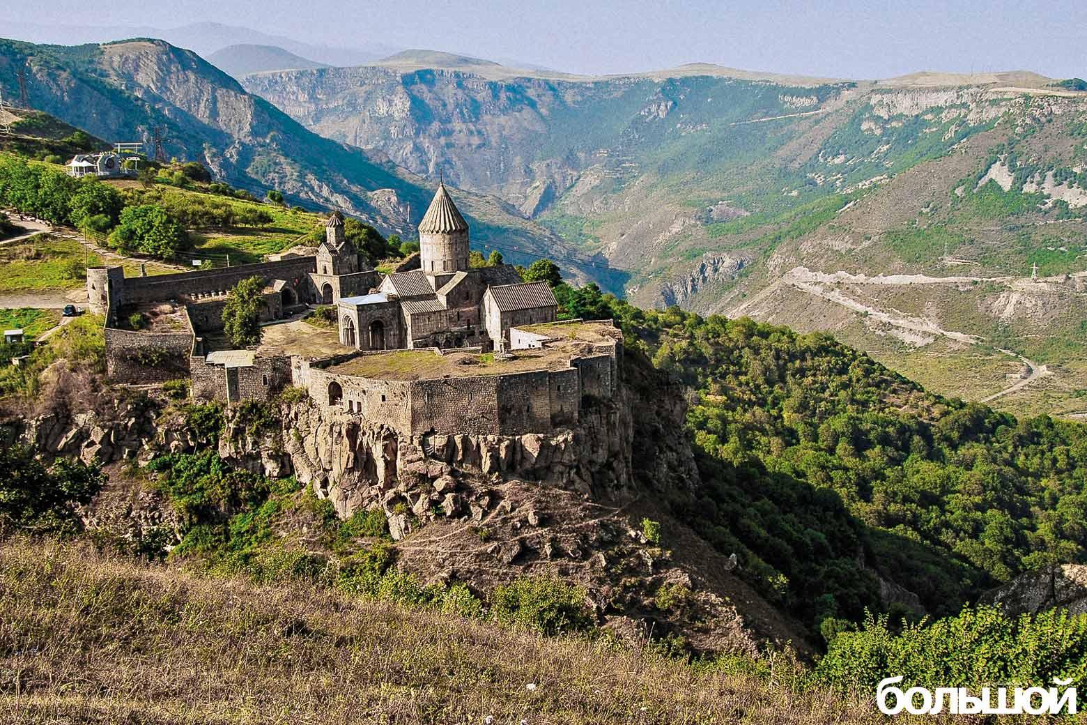 Tatev_monastery._Syunik_marz