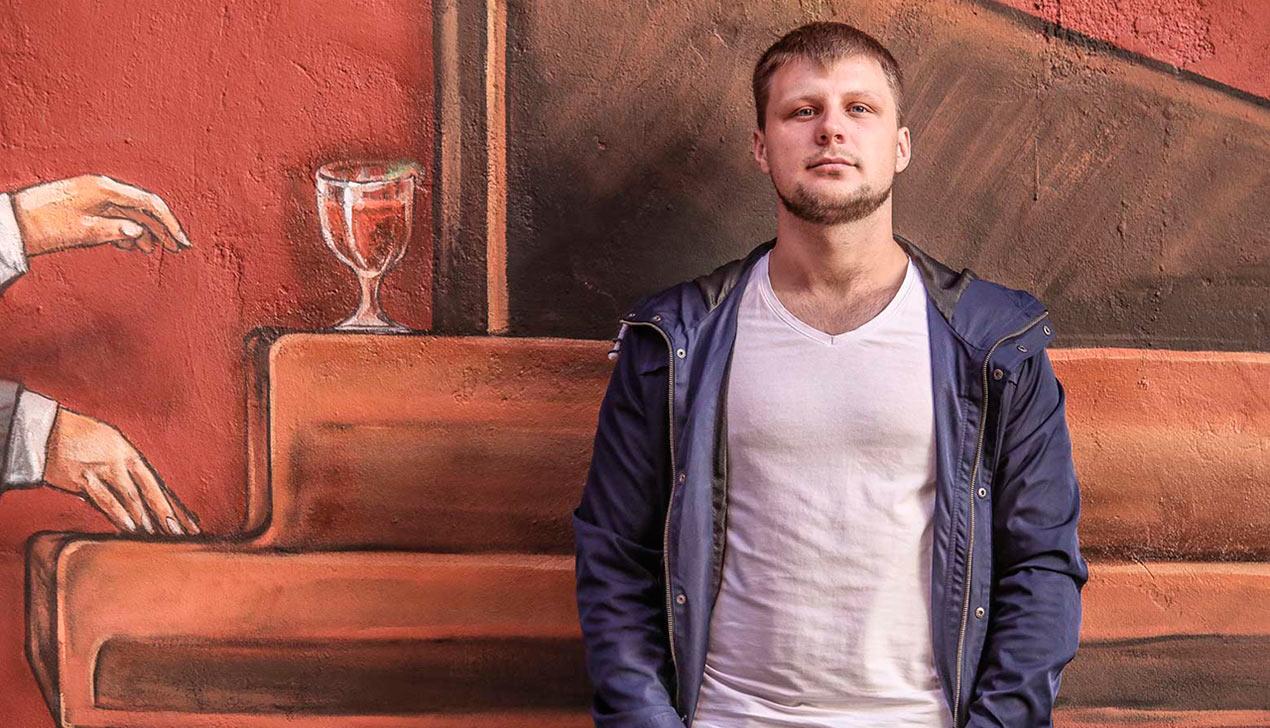 Бармен Евгений Мельников: «Разрешите людям покупать алкоголь ночью —  и на здоровье это благополучно не скажется»