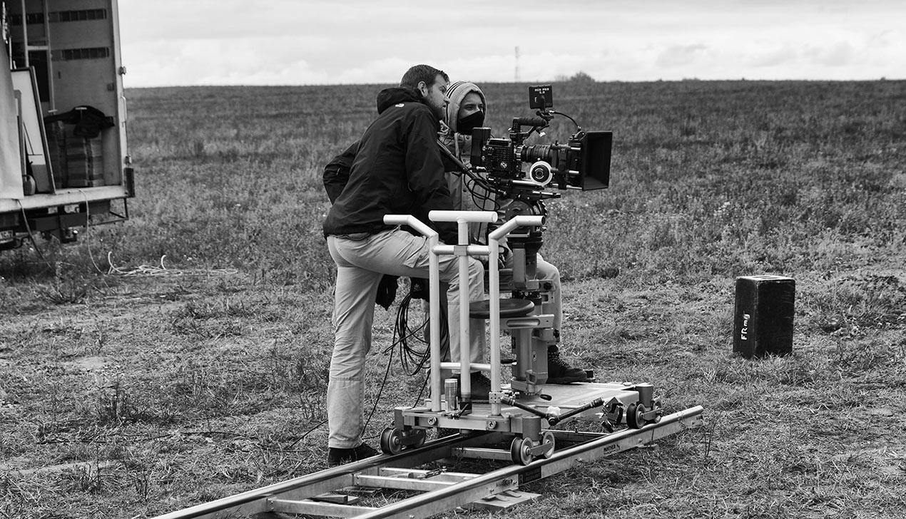 Как в белорусском поле снимают кино о конце света