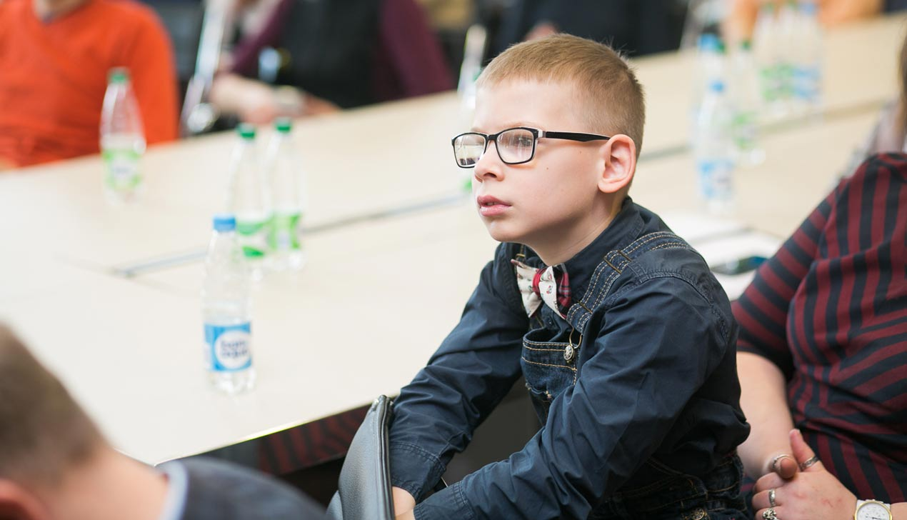 Детям с аутизмом в Беларуси посвятят пробег, выставку и подсветку зданий