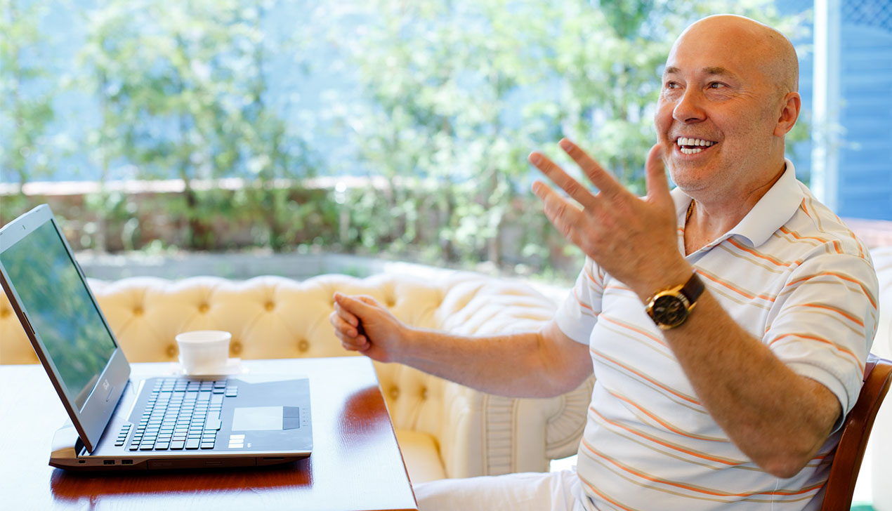 «Мы будем вместе, я знаю!»: Александр Солодуха тестирует ноутбук ASUS