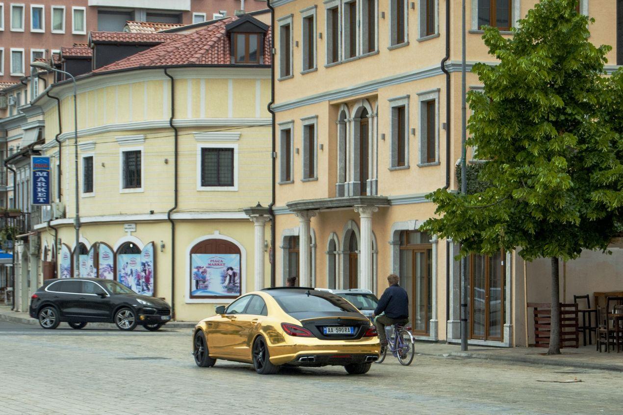 Улицы Албании.