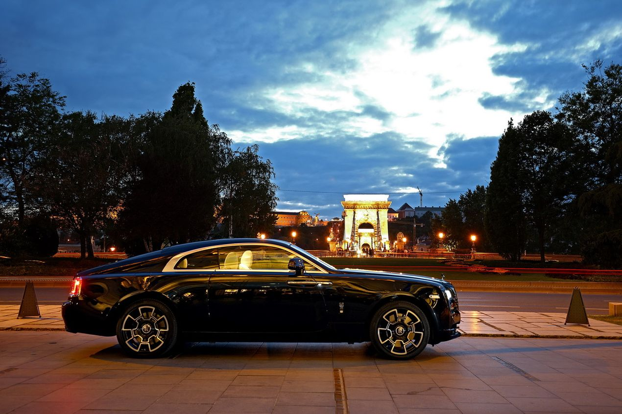 Rolls-Royce Wraith на улицах Будапешта.