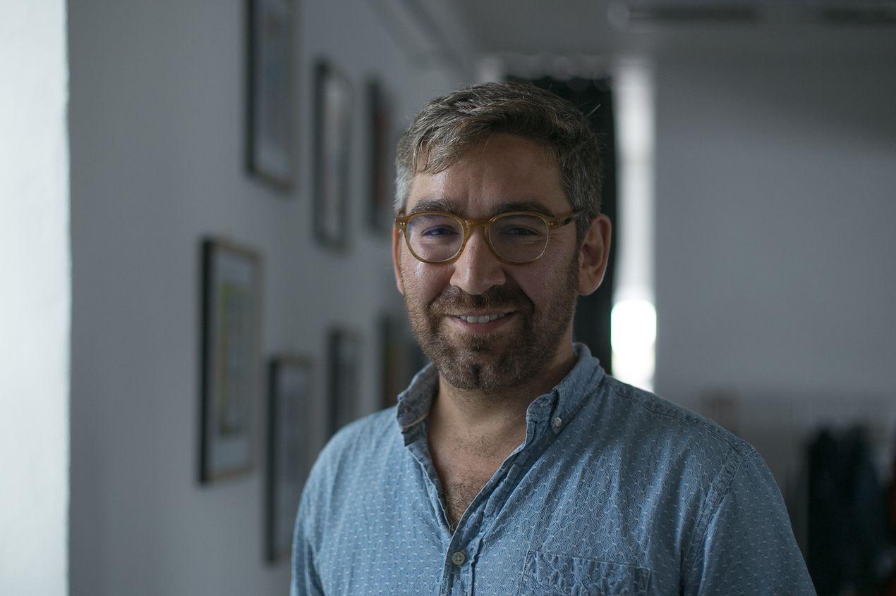 Журналист Саймон Островский