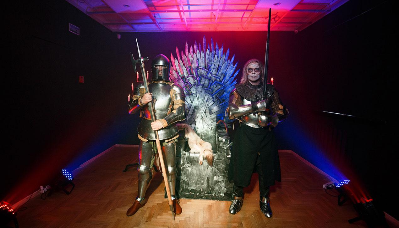 Железный трон и белые ходоки. В Минске прошла премьера «Игры Престолов»