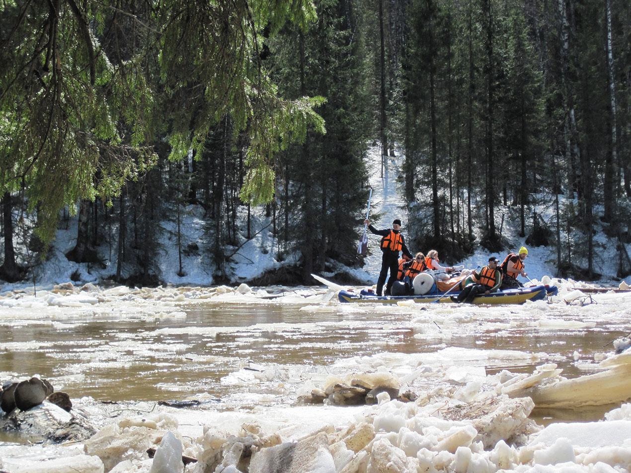 Ледовой залом на уральских реках