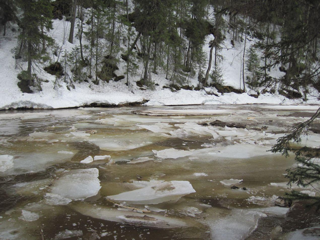 Лед на реках Вильва и Вижай