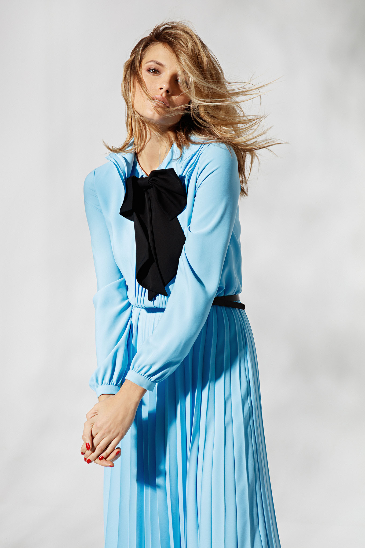 Платье Anouki / Marcelino Ботинки Dior — собственность стилиста
