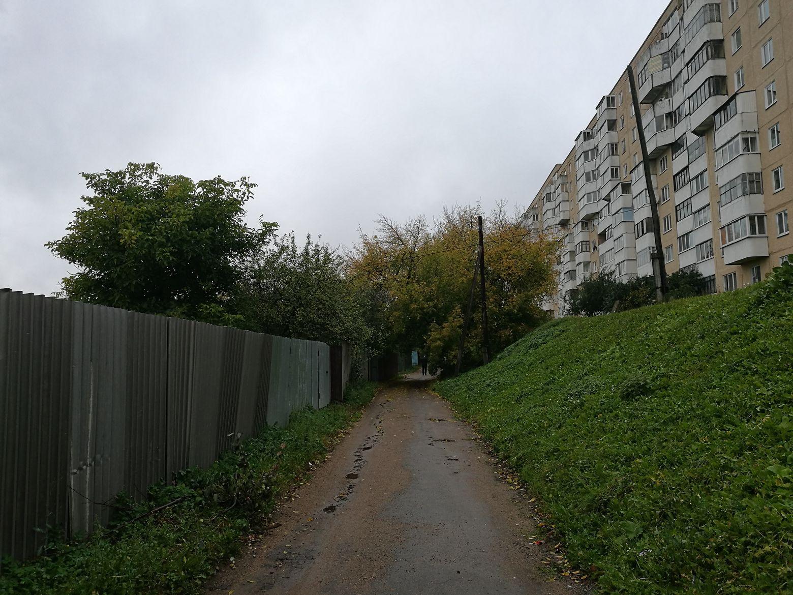 Через серо-зеленый диаметр. Спальные районы Минска