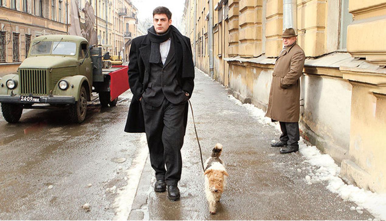 «Довлатов» в Минске: сеть столичных кинотеатров привозит фильм об опальном советском писателе