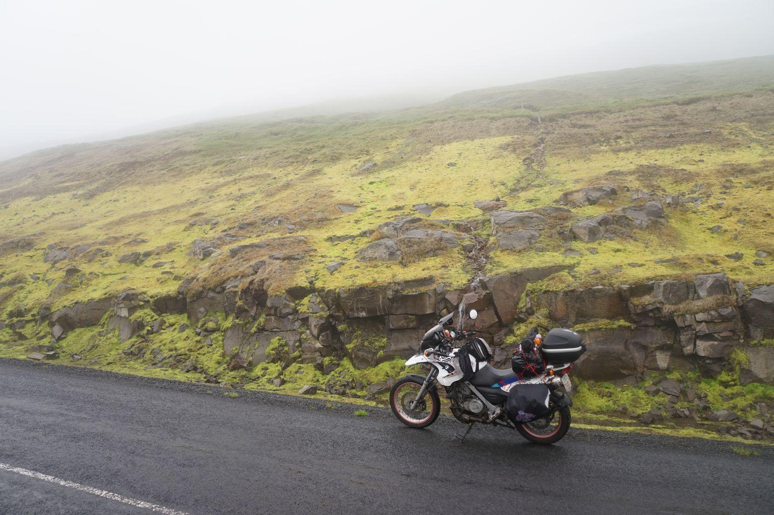 Катя Дубаневич и ее мотоцикл BMW по имени Генри