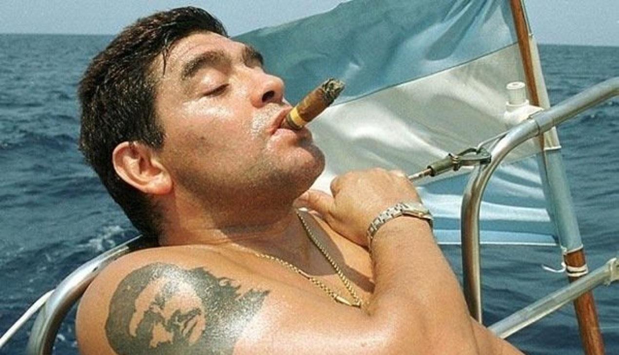 Диего Марадона едет в Брест. Семь историй об авторе «Гола столетия»