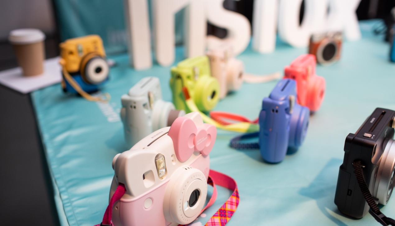 Instax SQ6 – Beautifully Squared Life