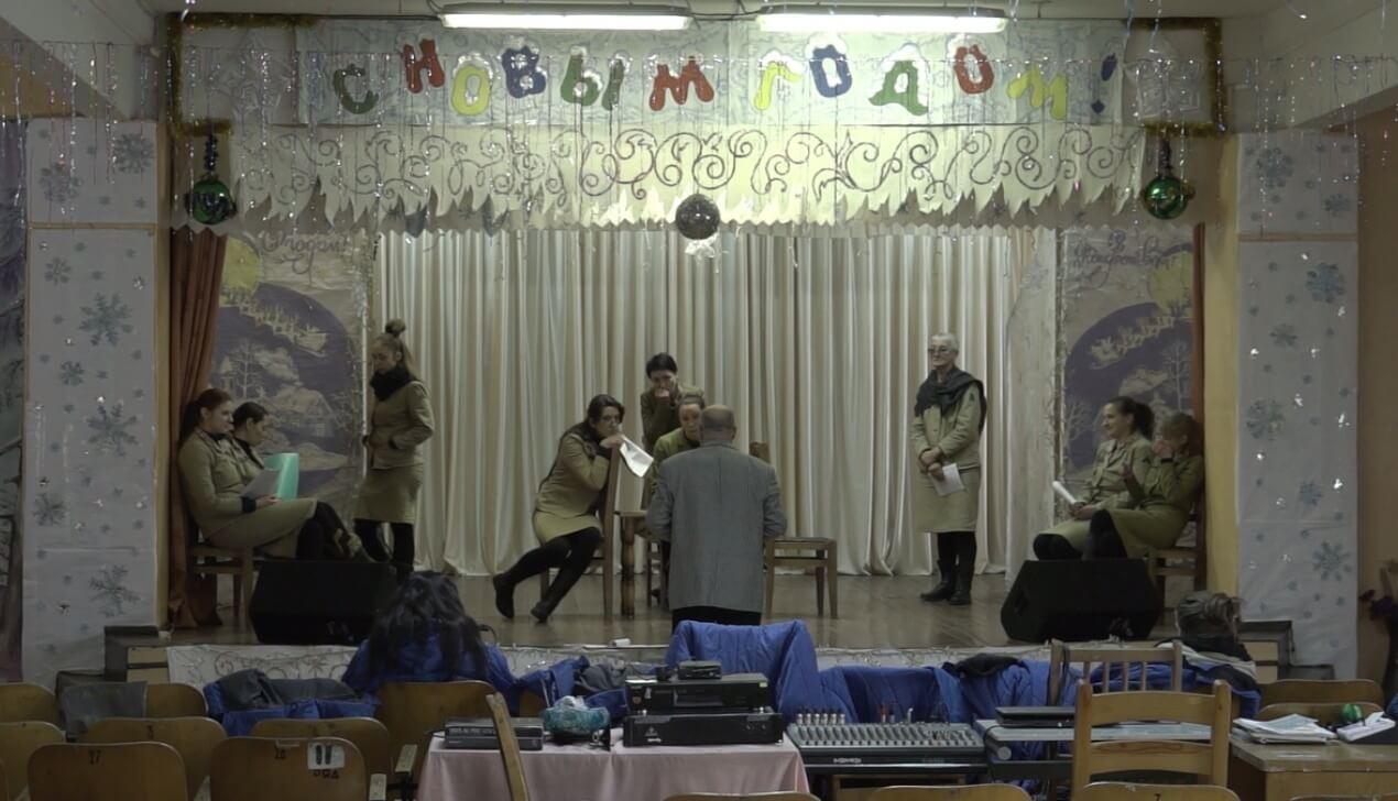 """Кадр из фильма """"Дебют"""""""
