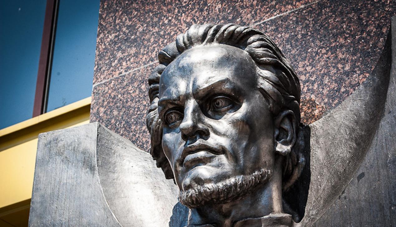 Алексиевич, Горват, Вольский и другие просят перезахоронить Калиновского в Беларуси