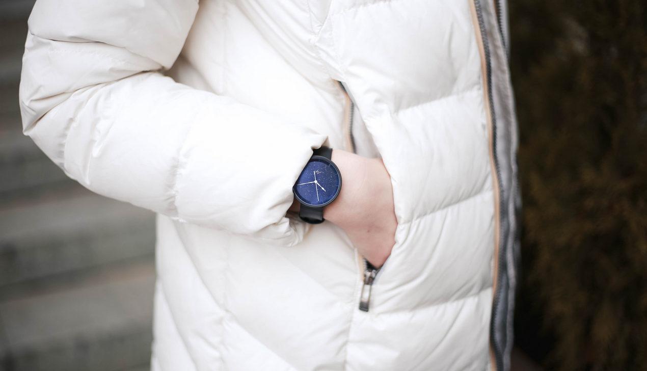 «Луч» выпустил часы со стихотворением Максима Богдановича