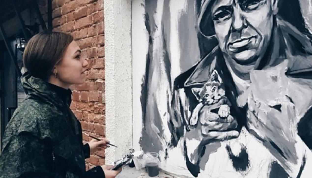 На Октябрьской появилось новое граффити с Короткевичем